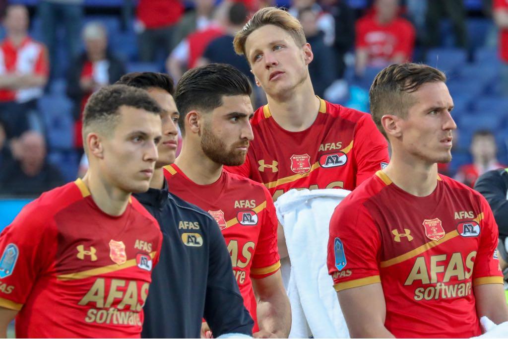 Teleurgestelde koppies na de kansloze nederlaag in de tweede opeenvolgende bekerfinale in Rotterdam. (Foto: Vincent de Vries)