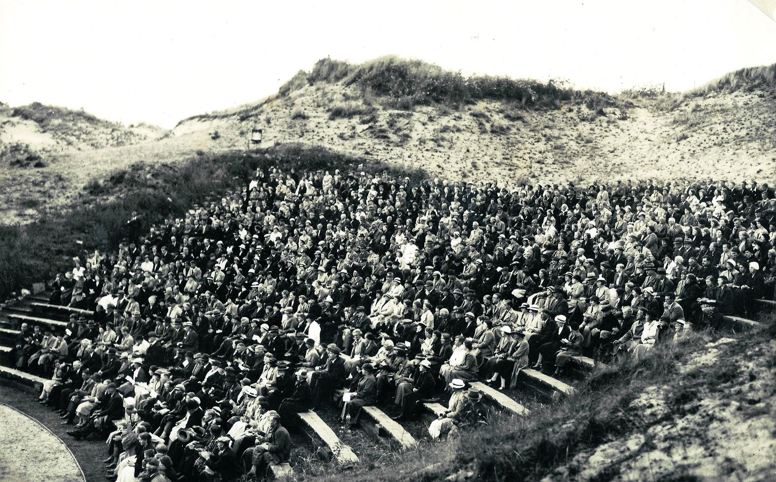 Openluchttheater in de duinen bij Duinvermaak,  jaren '50. (Foto: aangeleverd)
