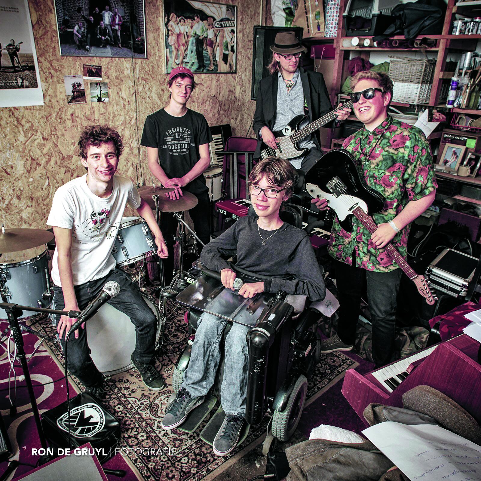 Speciaal voor deze voorstelling is de band The Cloaks opgericht. (Foto: Ron de Gruyl)