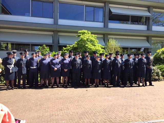 RAF-delegatie bij het monument. (Foto: aangeleverd) rodi.nl © rodi