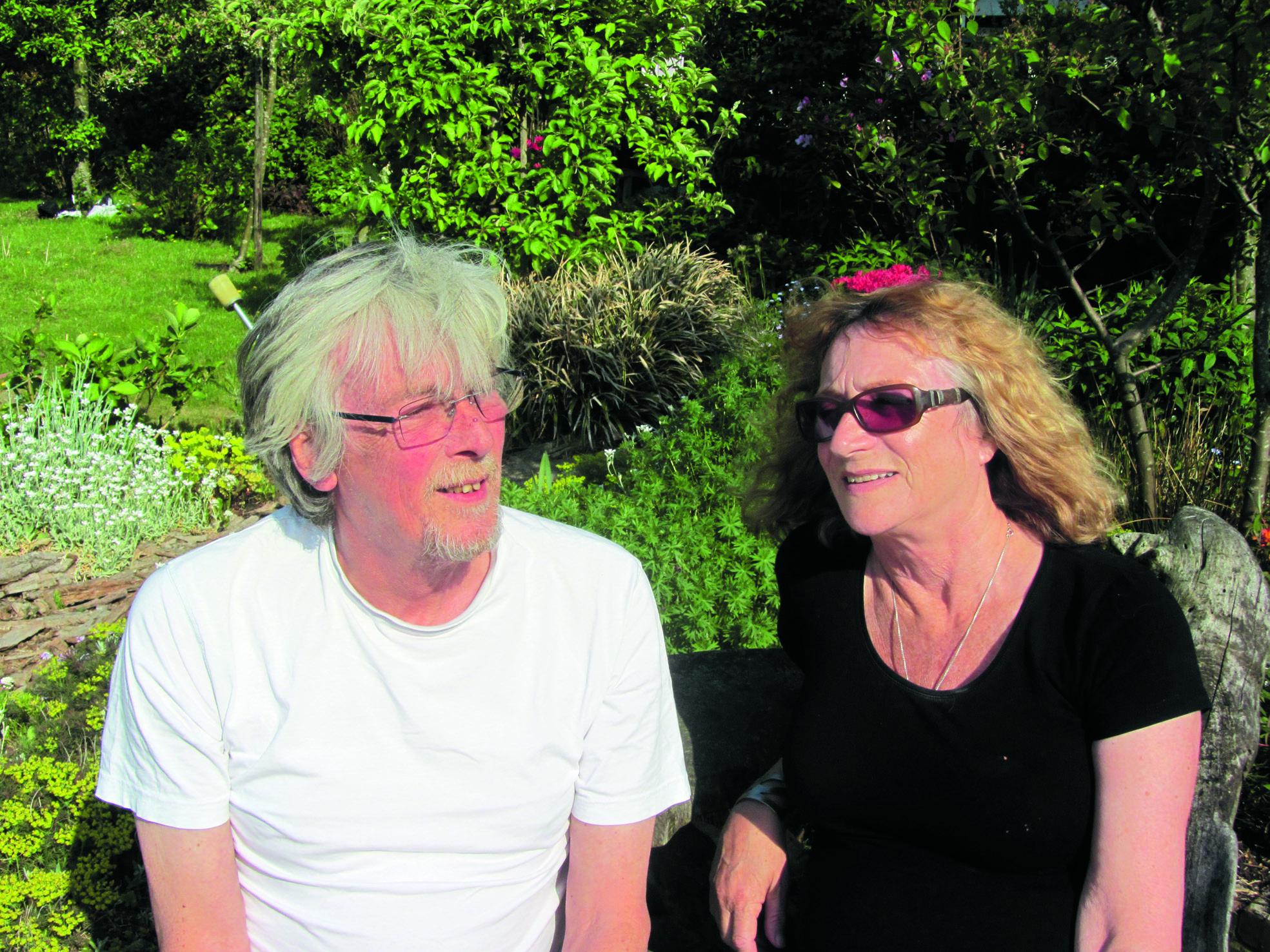 Marga en Nico Bennemeer, de drijvende krachten achter SJOO. Een fragment uit één van de plakboeken. (Foto's: JWvD)