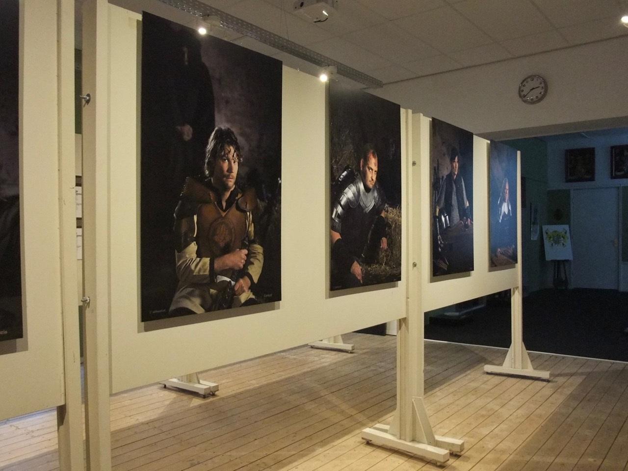 Op de opening van de foto tentoonstelling in het Slotkapel kwamen veel mensen op af. (Foto's: aangeleverd)