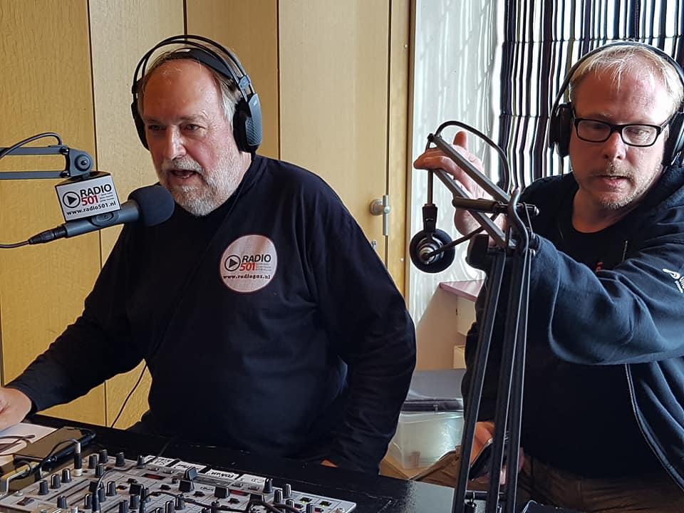 Rogier van Diesfeldt in gesprek met Theo Viset in het Hoornse Stadsfeesten Journaal op Radio501. (Foto: aangeleverd)