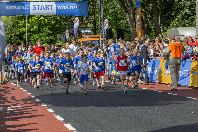 De Tata Kids of Steel Run trekt veel jeugd aan de start. (foto aangeleverd)
