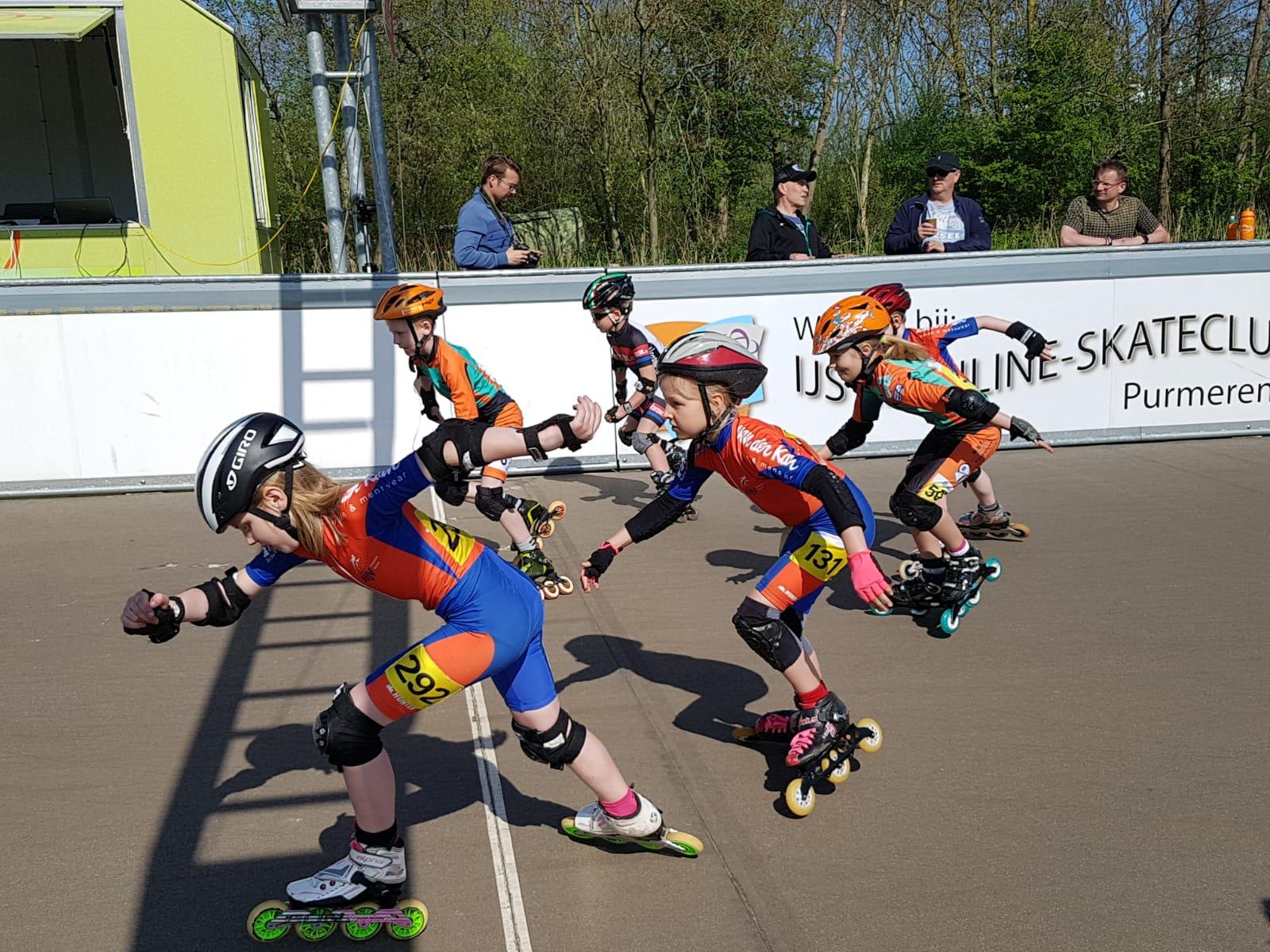 Bij het nationale pupillentoernooi probeert jonge inline-skatende jeugd uit heel Nederland een gooi te doen naar de titel nationaal kampioen. (Foto: IJs en Inline-skateclub Purmerend)