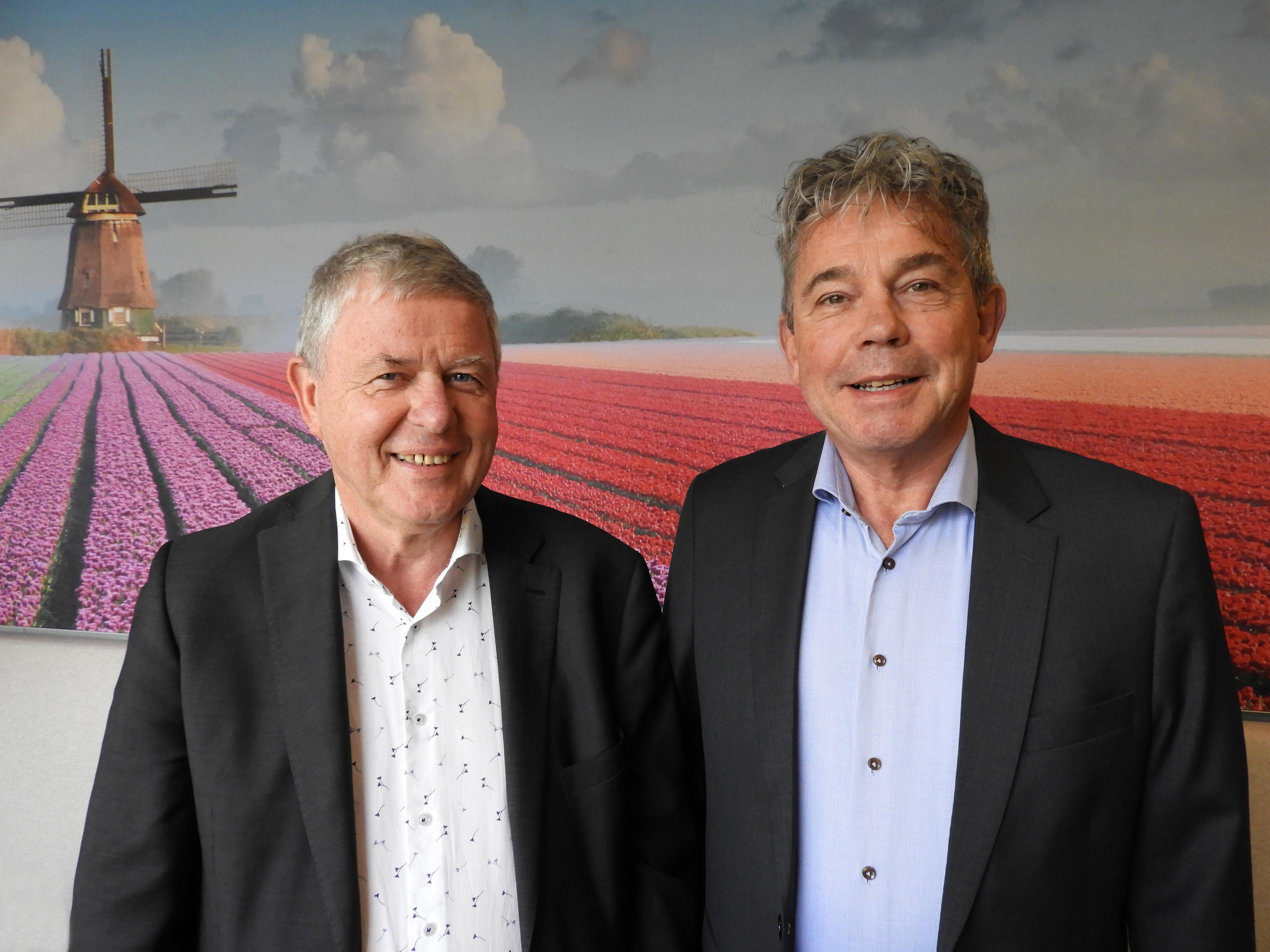 Gerard Erents, voormalig voorzitter RvC (links) en Hans Koning, nieuwe voorzitter RvC. (Foto: aangeleverd)