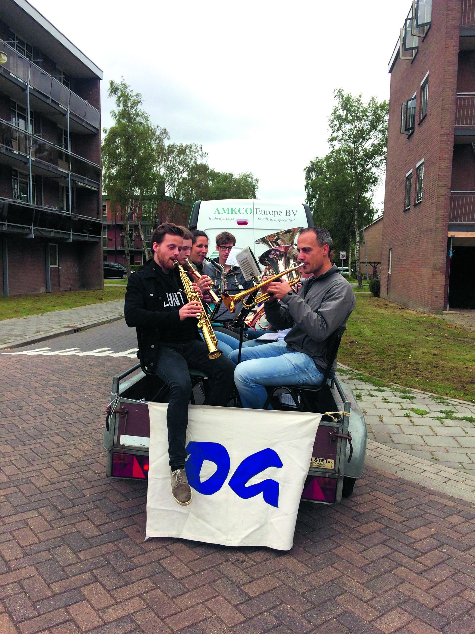 Muzikale collecte van OG in Krommenie. (Foto: Yvette van der Does)