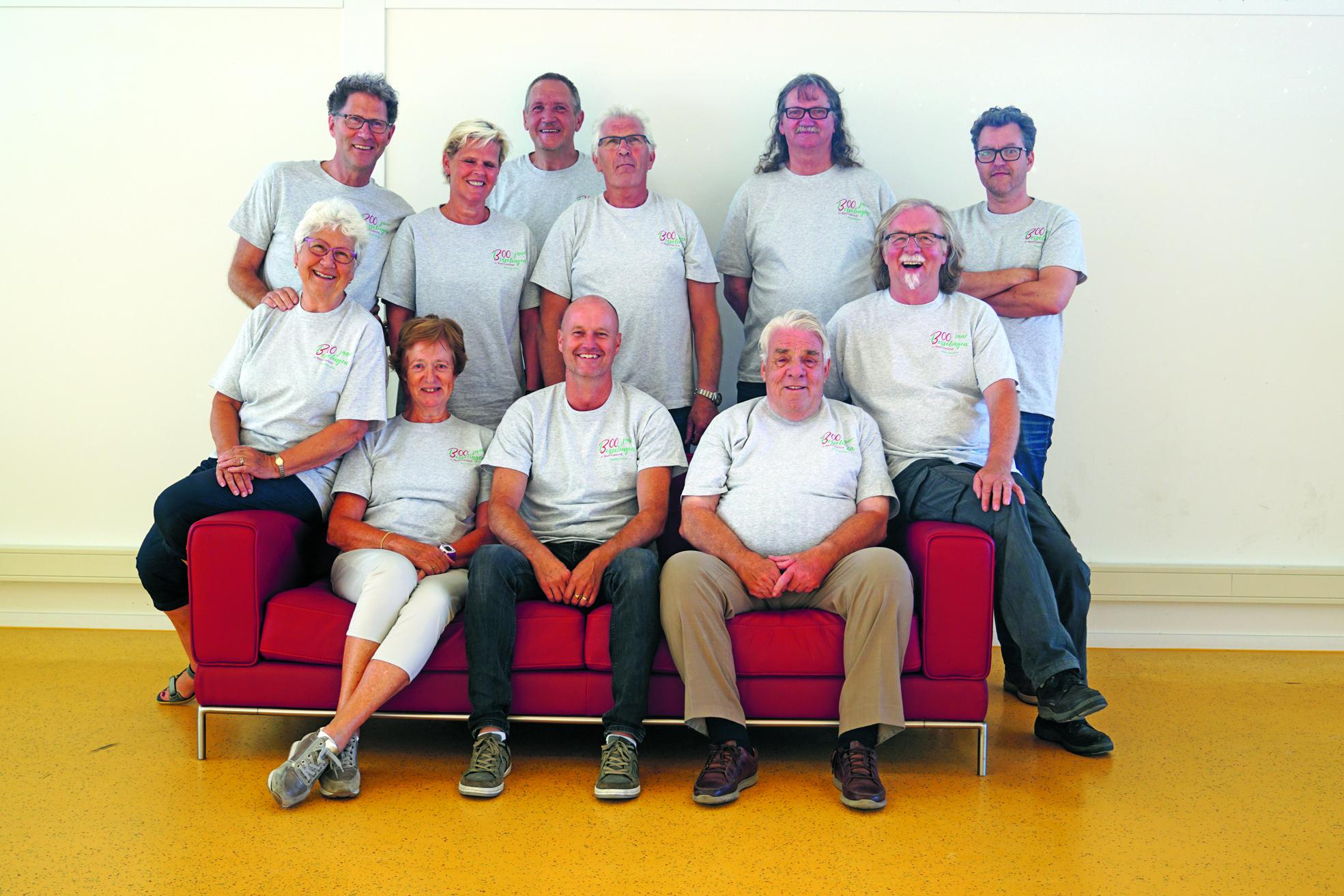Werkgroep 300 jaar Besseling met v. l.n.r. Martha Besseling, Marie Besseling, Afie Besseling, Geertje van der Gulik, Simon Besseling en Theo Besseling, familie van initiator Piet Besseling. (Foto: Besseling)
