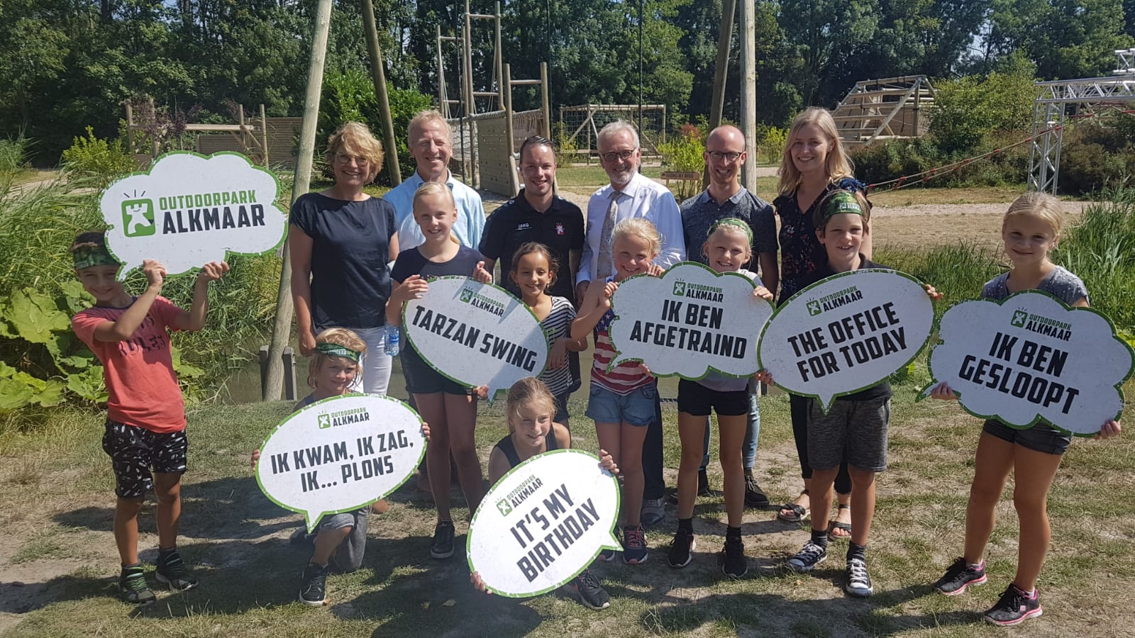 Burgemeester Piet Bruinooge bezoekt Outdoorpark Alkmaar. (Foto: aangeleverd)