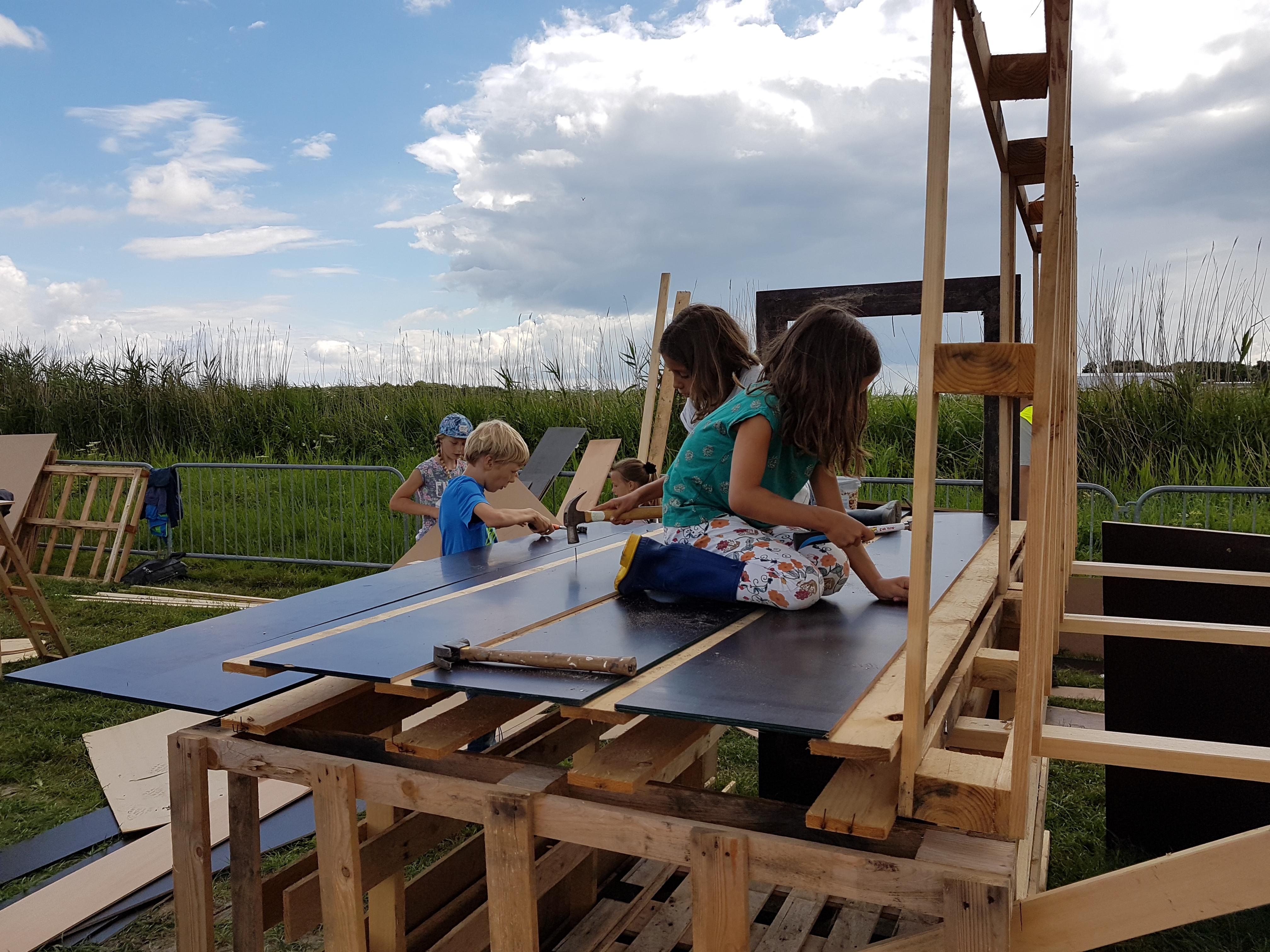 Timmerdorp 't Zand viert de tiende editie van het bouwdorp. (Foto: aangeleverd)