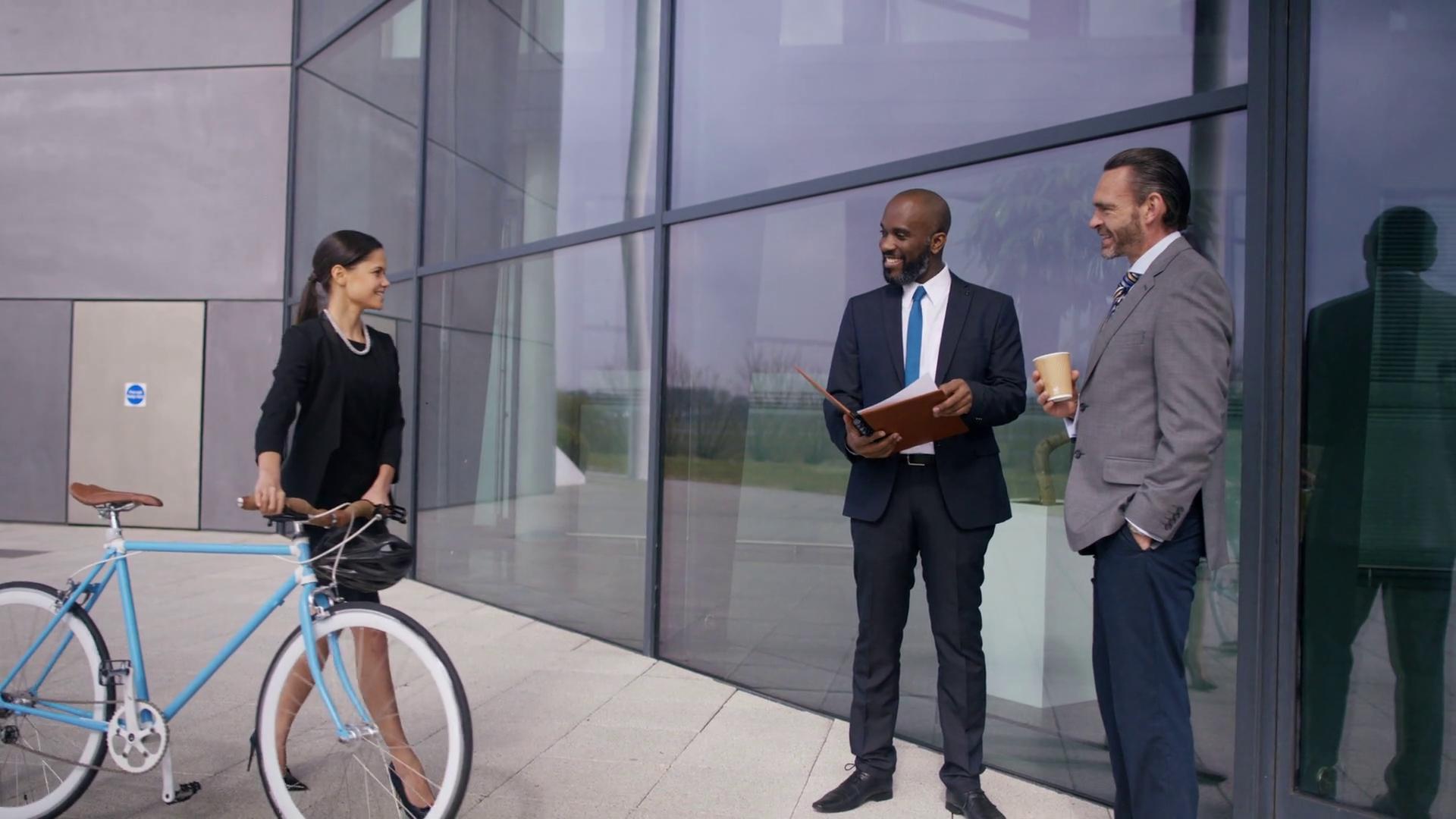 Naast de leaseauto zijn ook de (deel)fiets, taxi en openbaar vervoer aan een opmars bezig in de zakelijke markt. (Foto: aangeleverd)