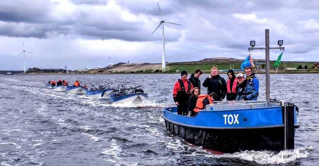 Met sleepboot TOX varen de zeeverkenners morgen van Beverwijk naar Zeewolde. (foto aangeleverd)