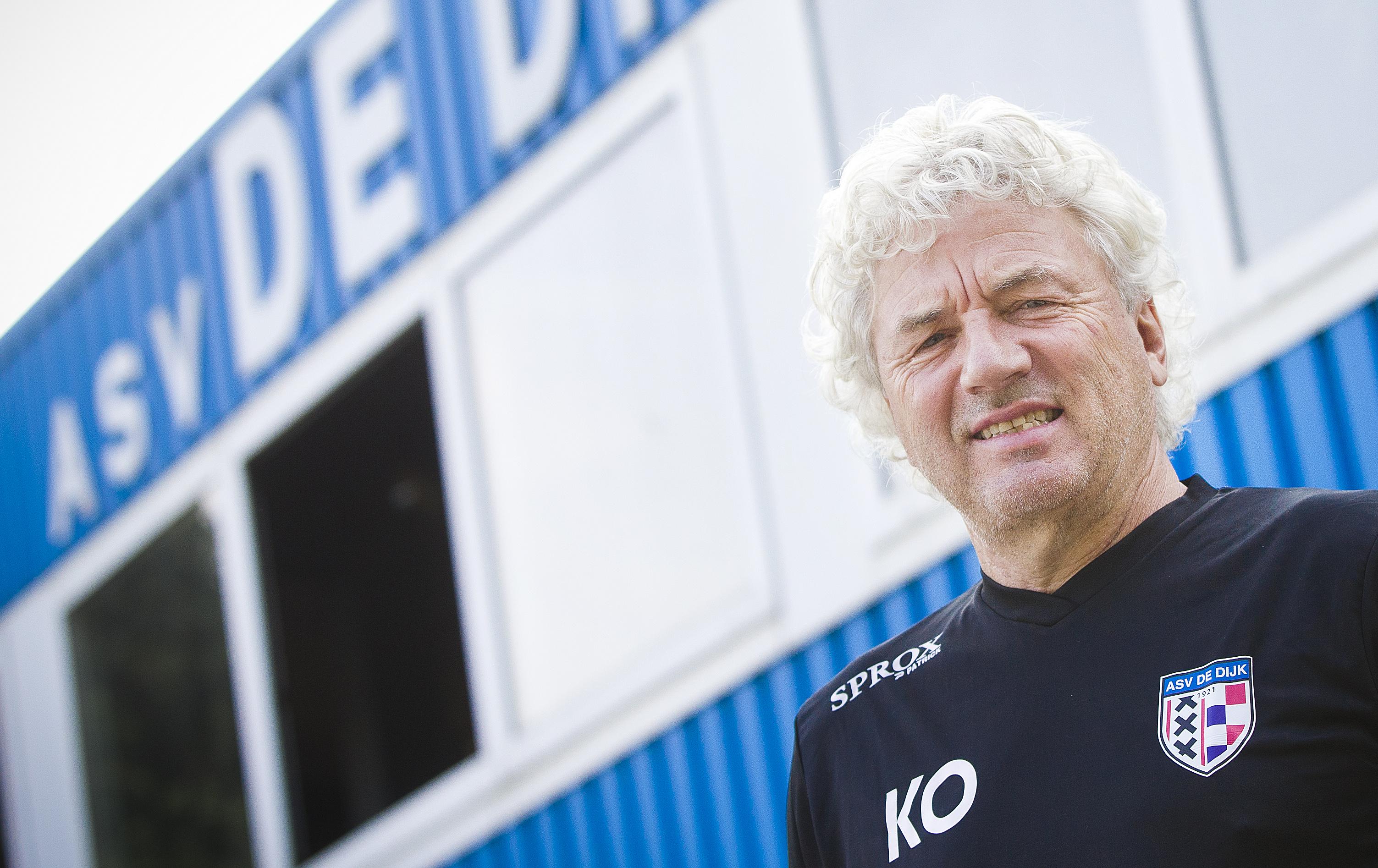 De Dijk-trainer Kees Oostermeijer: ''Werken met jonge voetballers zien wij best zitten.'' (foto Anko Stoffels)