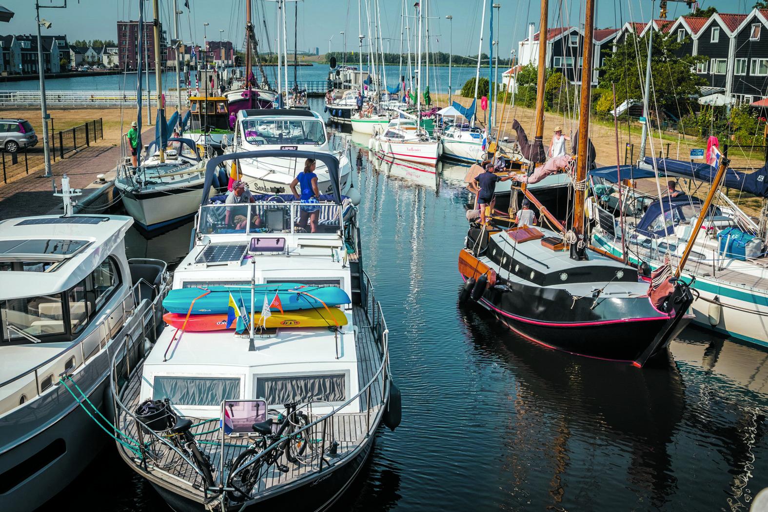De Grote Sluis in Spaarndam is gesloten voor recreatievaart. (foto aangeleverd)