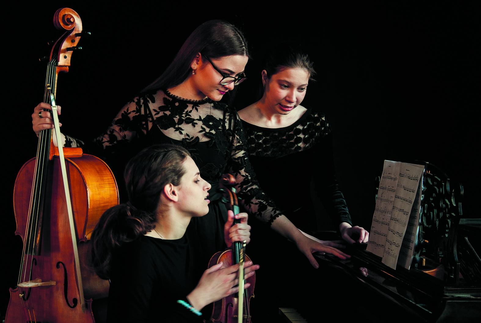 Het Russische Bell Trio. (foto Elena Kochetova)