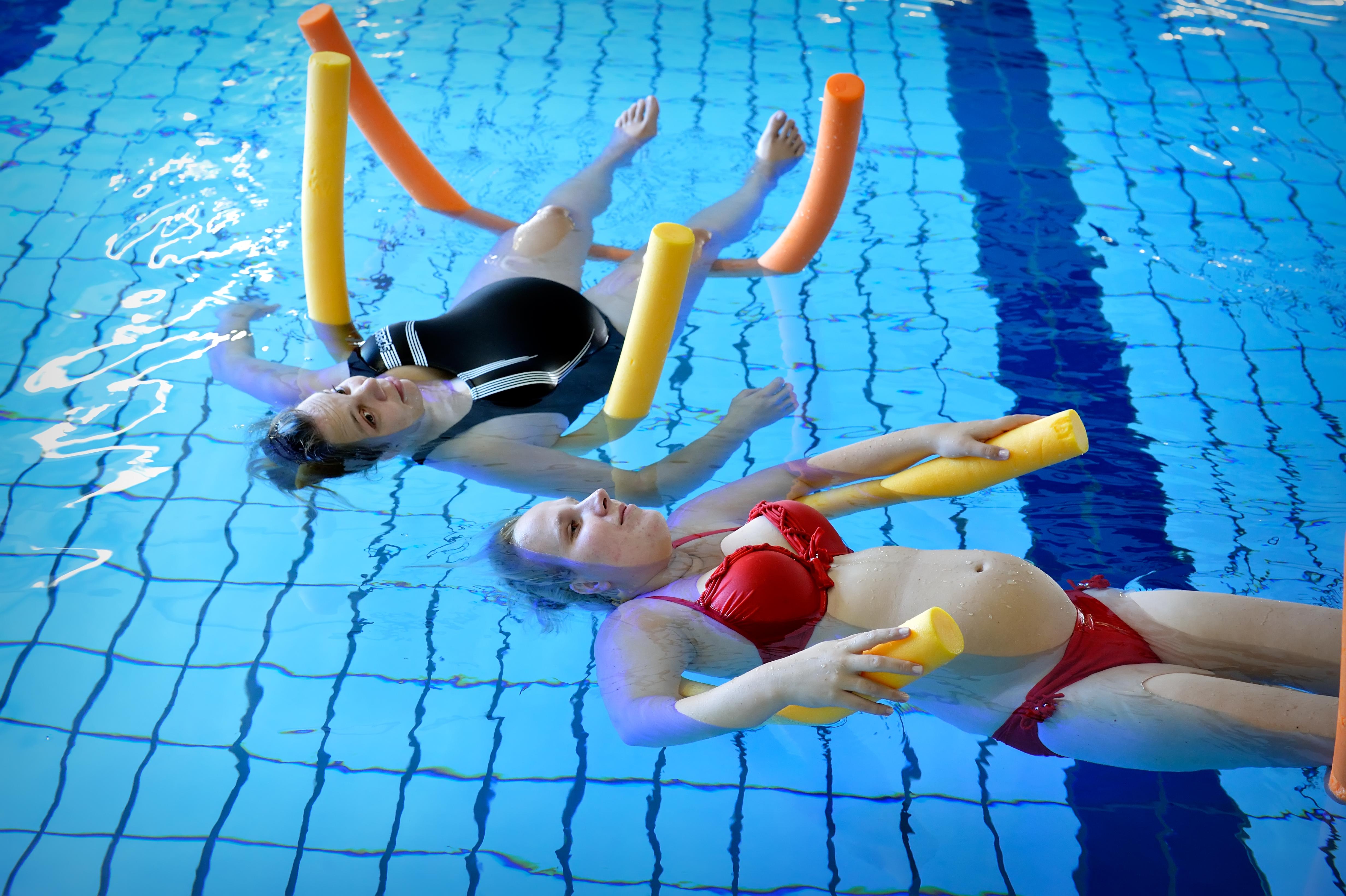 Zwangerschapszwemmen. (Foto: aangeleverd)