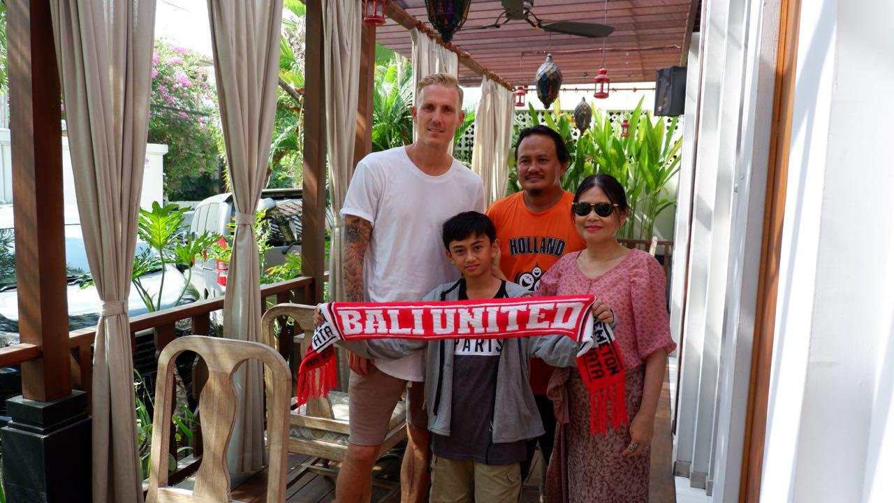 Nick van der Velden voetbalt alweer twee seizoenen voor Bali United: ''Als wij winnen worden we na afloop massaal toegezongen.'' (foto FC Bali United) rodi.nl © rodi