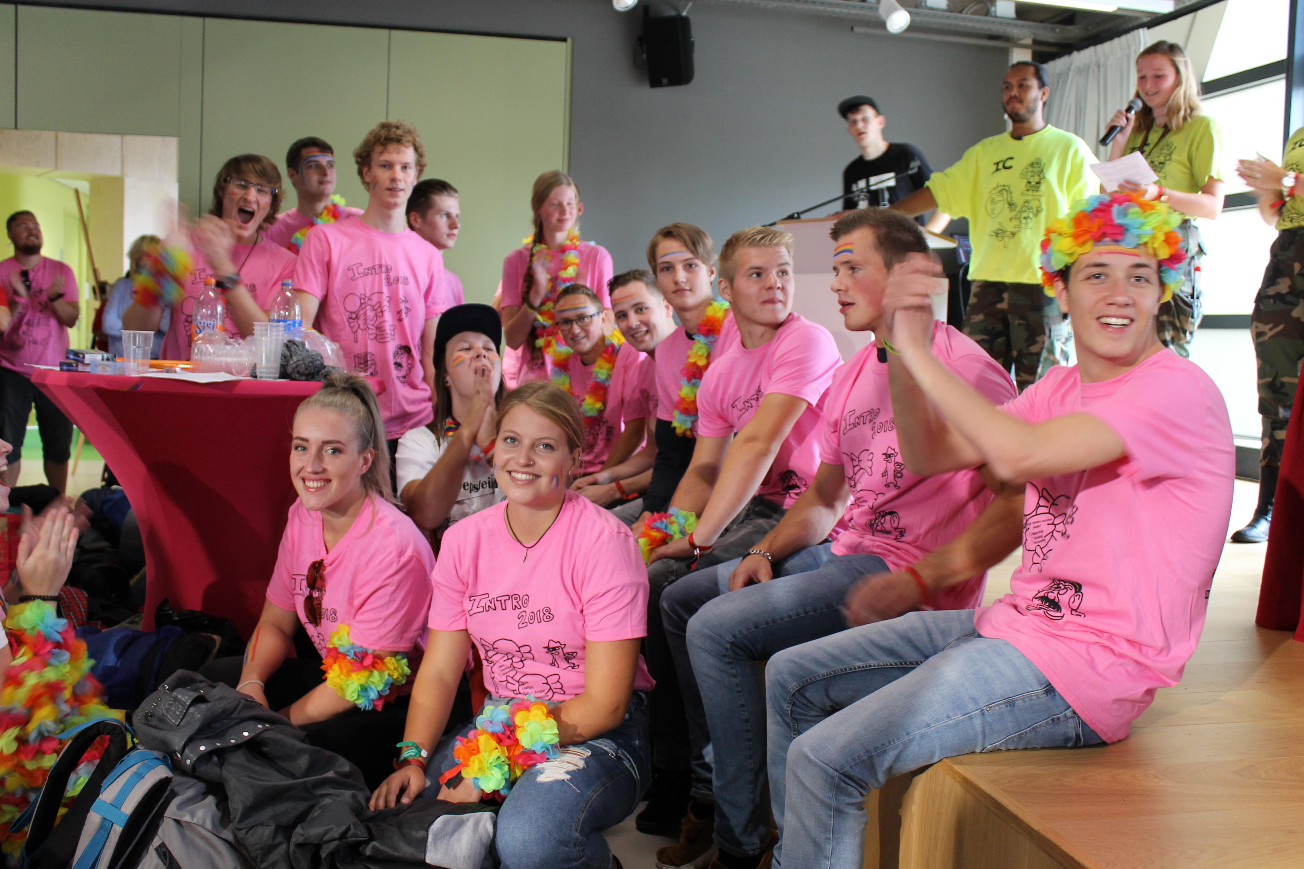 De 'nullen' zijn klaar voor een spectaculaire feestweek, voorafgaand aan hun studio aan Hogeschool Inholland Alkmaar. (Foto: aangeleverd)