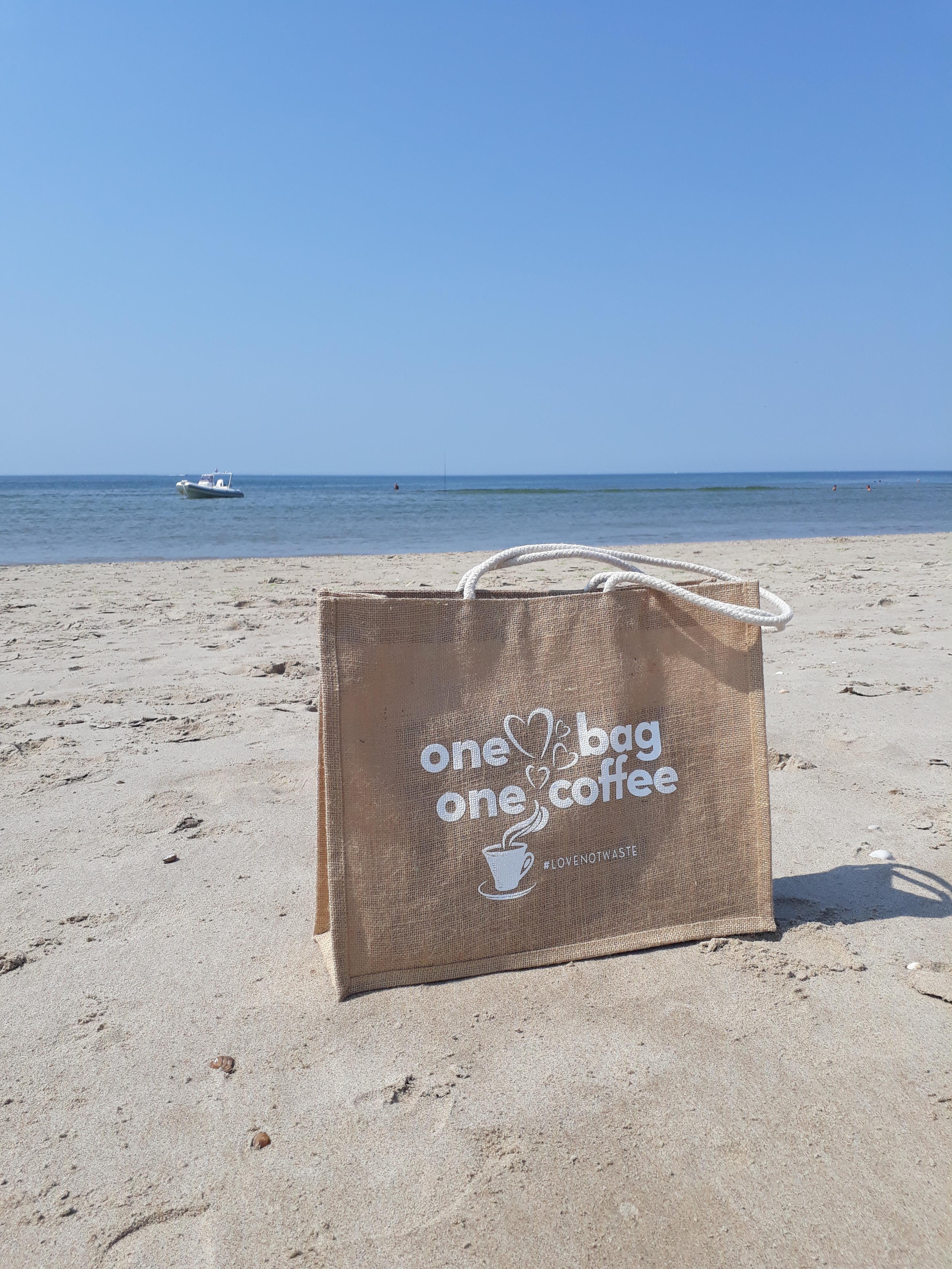 De unieke actie wordt gelanceerd met een speciale gezamenlijke strandschoonmaak-wandeling op zondag 16 september.