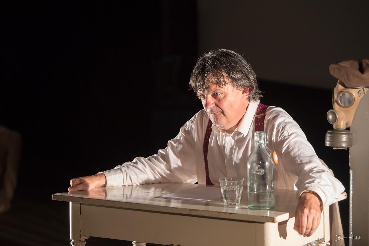 Ab Gietlink tijdens zijn voorstelling op forteiland. (Foto: Bart Hulst)