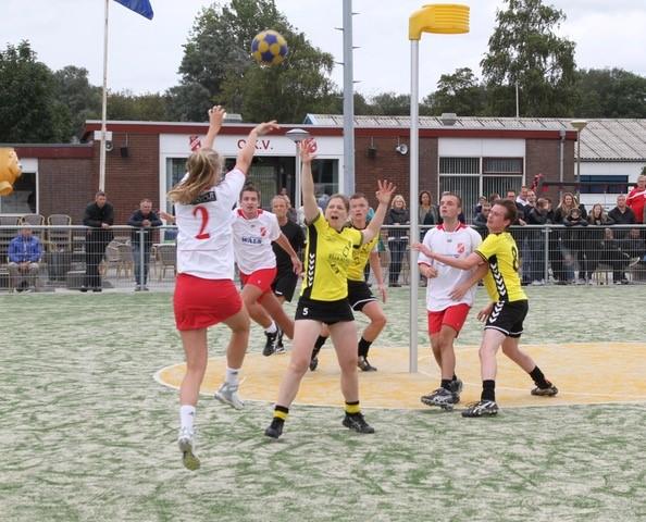 De eerste wedstrijd van het seizoen was tegen Helios. (Foto: aangeleverd)