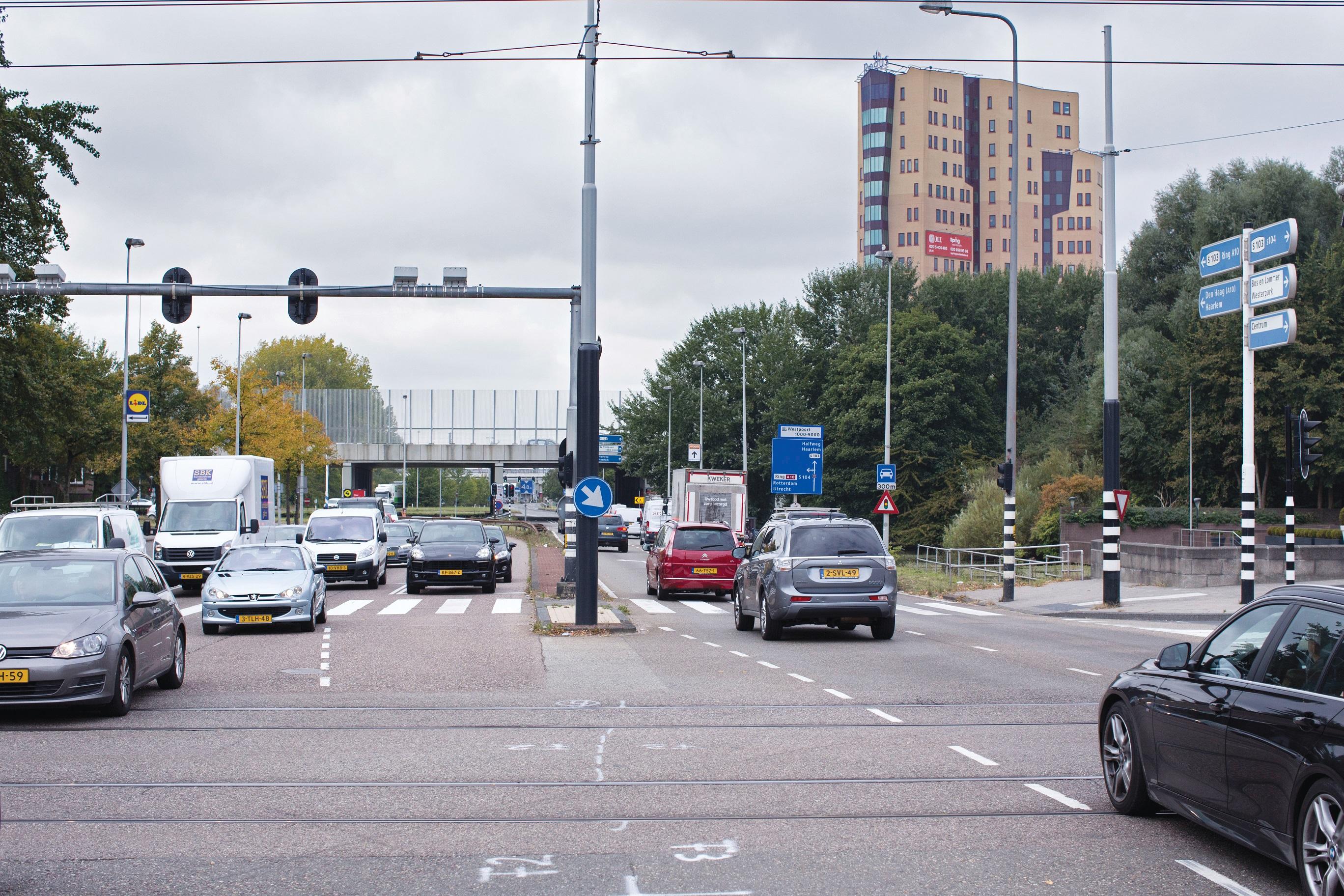 Haarlemmerweg ter hoogte van Admiraal de Ruijterweg. (Foto: aangeleverd)