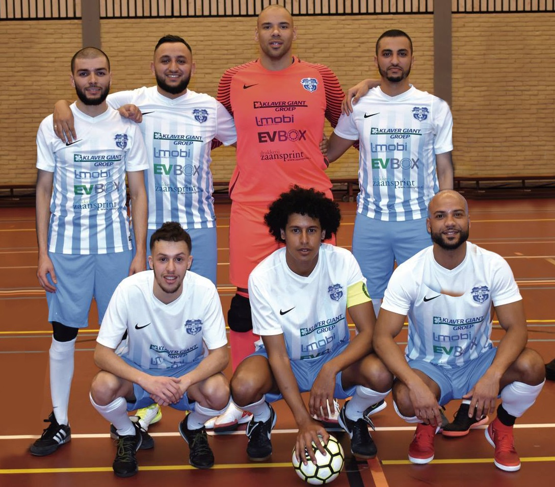 Nieuw seizoen, nieuwe kansen voor de mannen van FCZSW/COVEBO 1. (Foto: Daan Ruijter/Rodi Media, fotobewerking: Bart Agterberg)