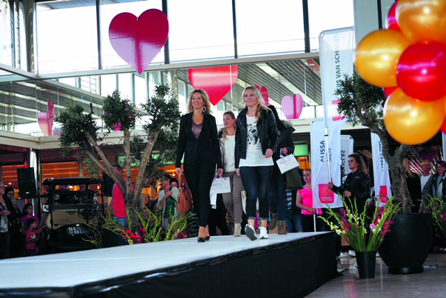 Tachtig modellen van dertig verschillende winkels uit Schagen tonen de nieuwste herfst- en wintercollecties. (Foto: aangeleverd)