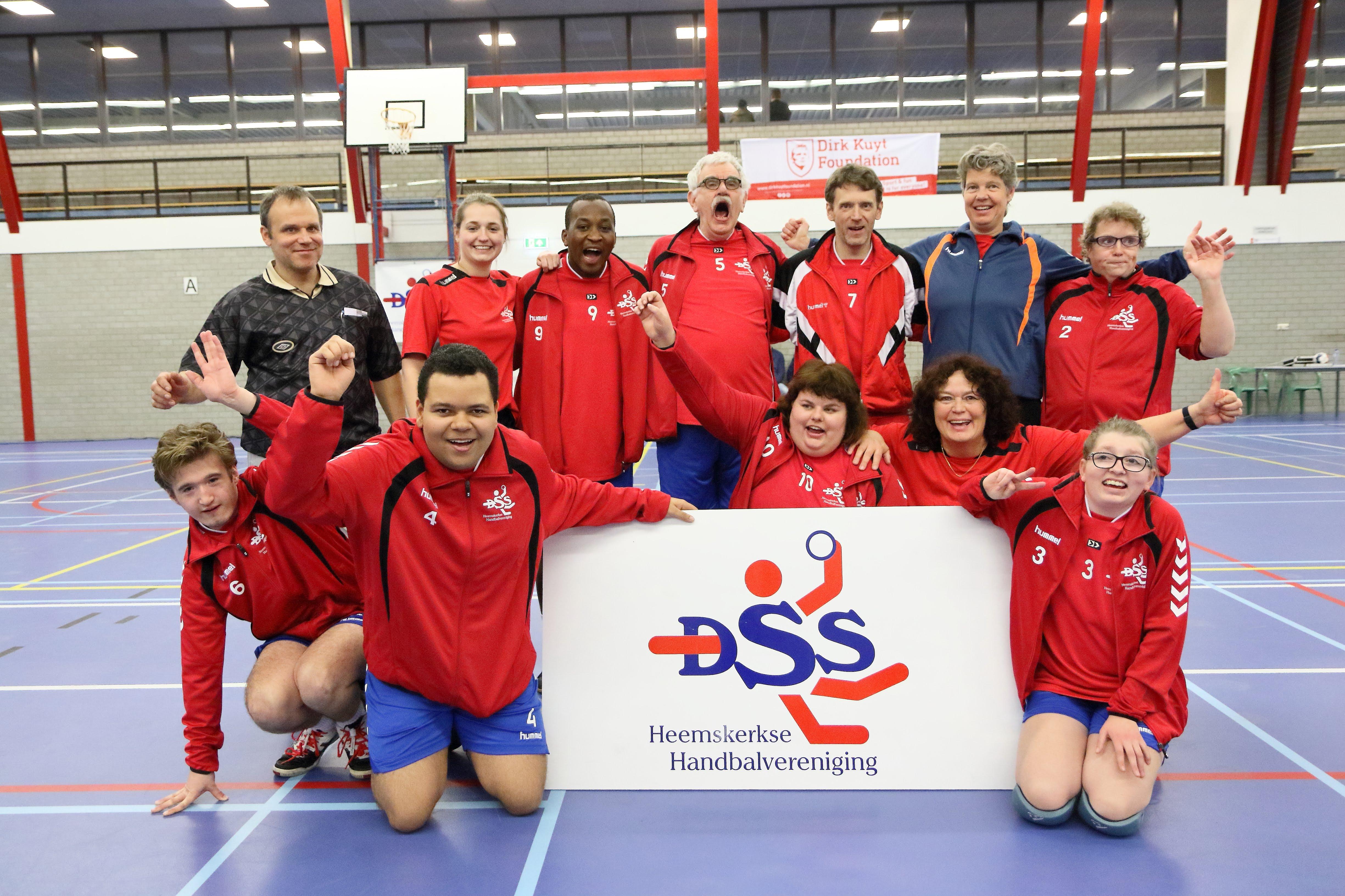Bij het G-handbal van DSS staan plezier en enthousiasme voorop. (Foto: Maxime Sinnige)