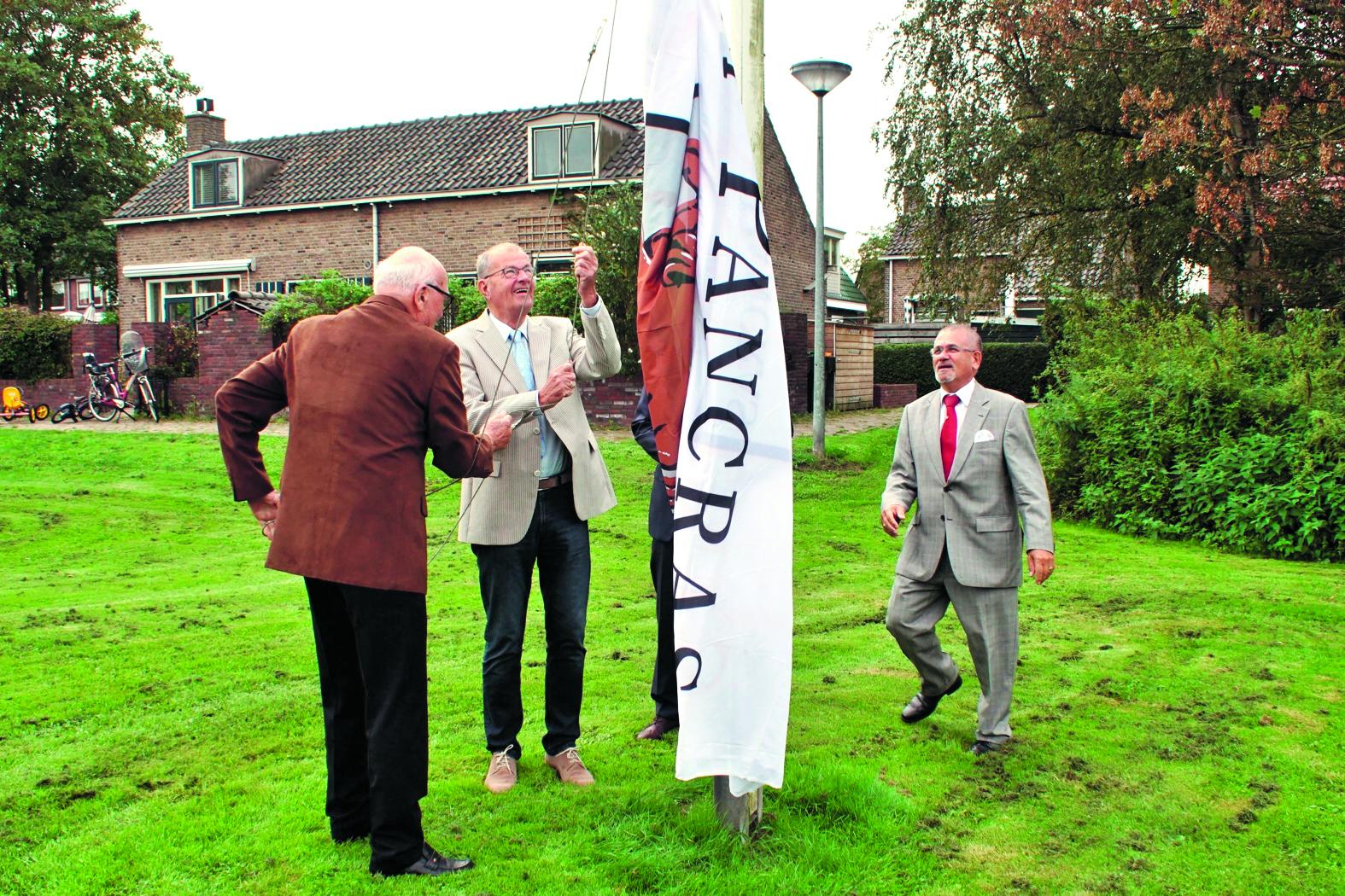 Met het hijsen van de Sint Pancrasvlag was de opening een feit.