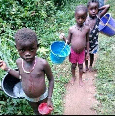 In het dorp Janjanbureh Gambia hebben ze niet veel. Spullen zijn welkom.  (Foto: aangeleverd)  rodi.nl © rodi