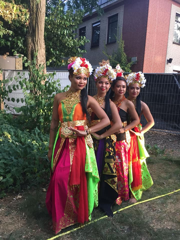Benefietavond Lombok in dorpshuis Hanswijk. Het zal een avond met veel zang en dans worden. (Foto's: aangeleverd). rodi.nl © rodi