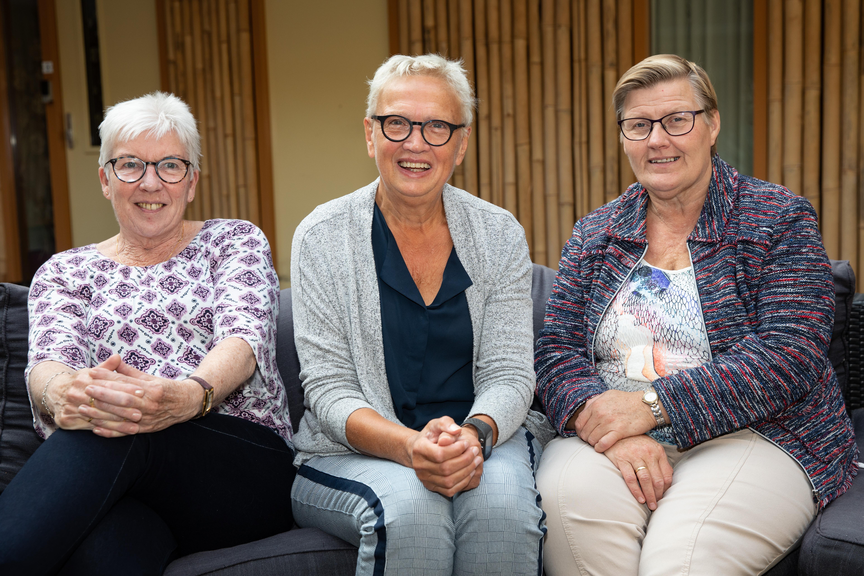 Margreet Bakker, Anneke Vermeulen en Janny Leurs van de Familieraad. (Foto: Vincent de Vries / RM)