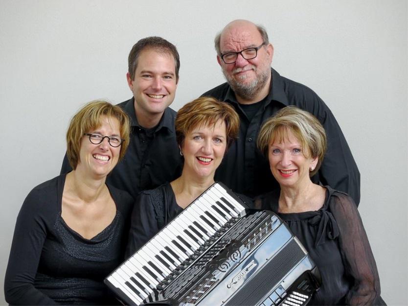 Virtuosa, met Bianca IJdema uiterst links. (Foto: aangeleverd)