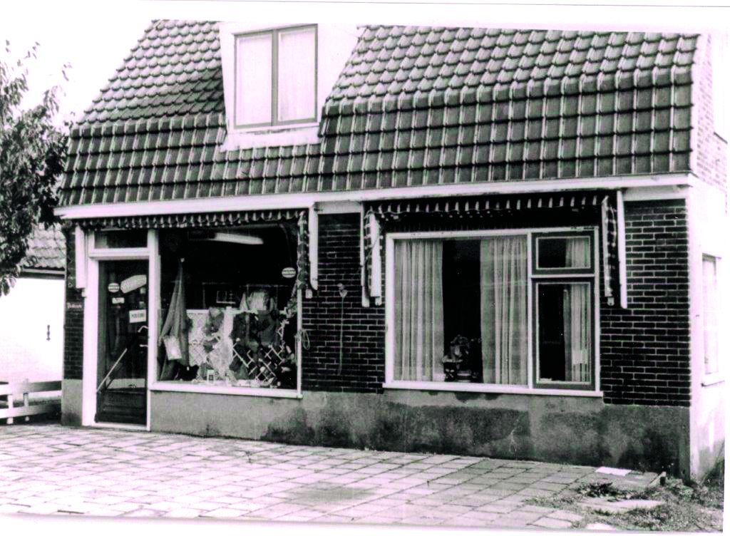 De oude Pancrasser winkeltjes; een stukje geschiedenis herleeft tijdens de presentatie van de Historische Vereniging Sint Pancras. (Foto: aangeleverd)