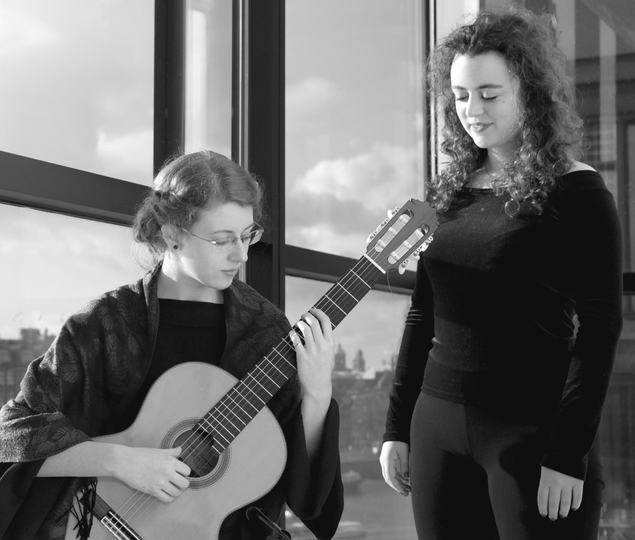 Neelke Stremler en Ana Balestra spelen in 't Brakenkerkje in Obdam. (Foto: aangeleverd)