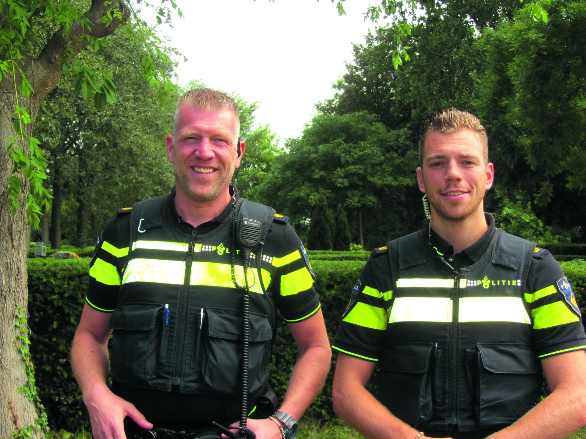 De wijkagenten, Menno Sloots en Nick Horvers (Foto: JWvD)