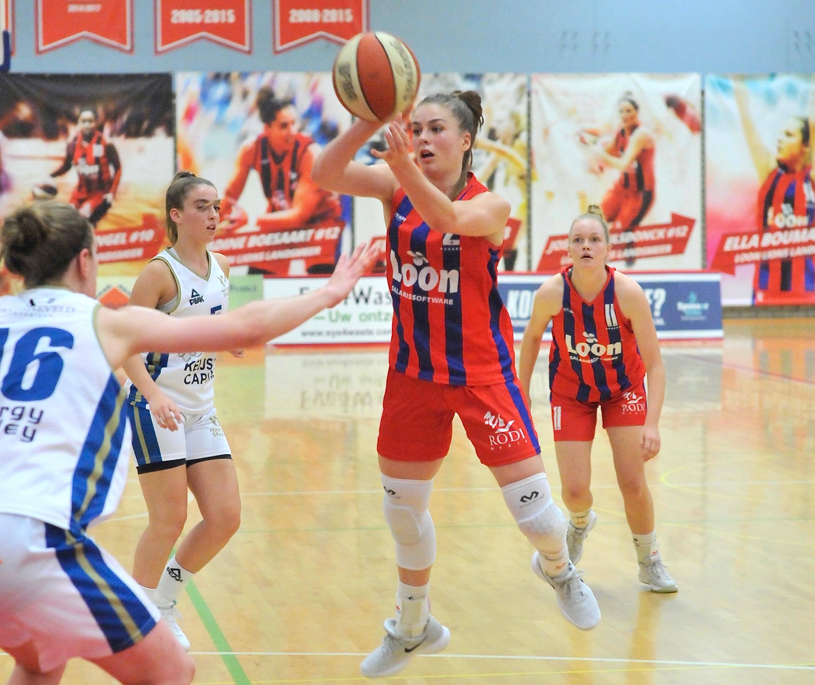 Benthe Versteeg scoorde negen van haar tien punten in de eerste periode. (Foto: Tine Sierink)