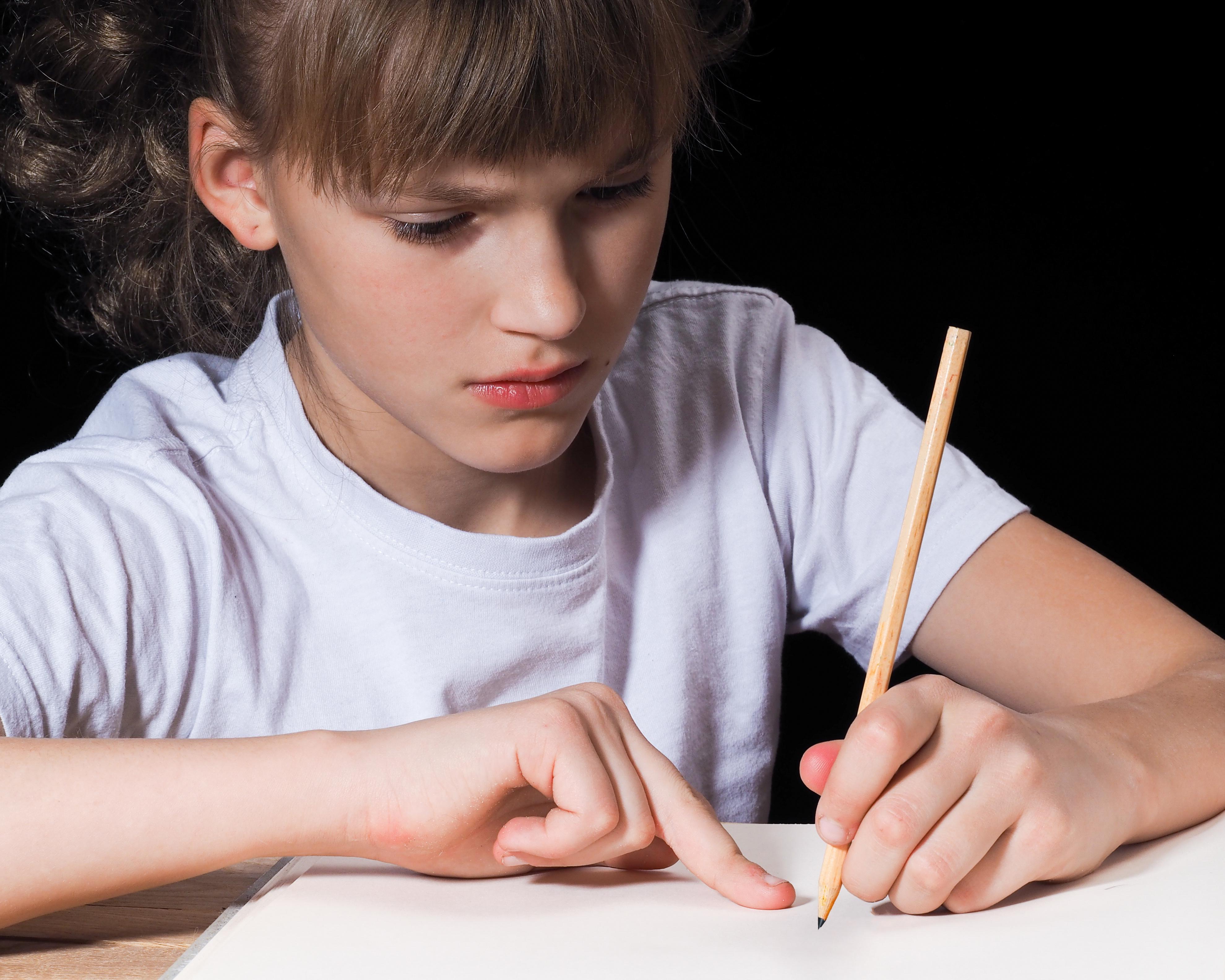 Huiswerk maken. Voor sommige kinderen een peulenschil en voor anderen een crime. (Foto: AdobeStock)