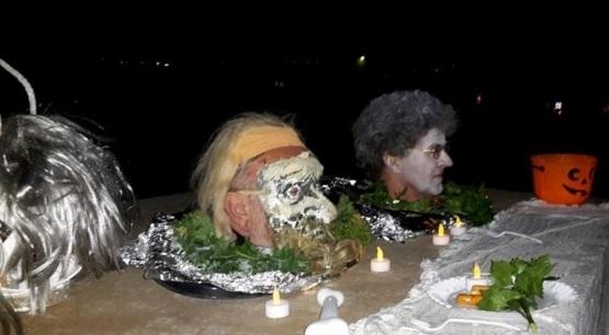 Halverwege de route op de Beemsterringdijk en aan het einde van de wandeling (verrassing) zijn er Halloween-acts. (Foto: Halloween-wandeling)