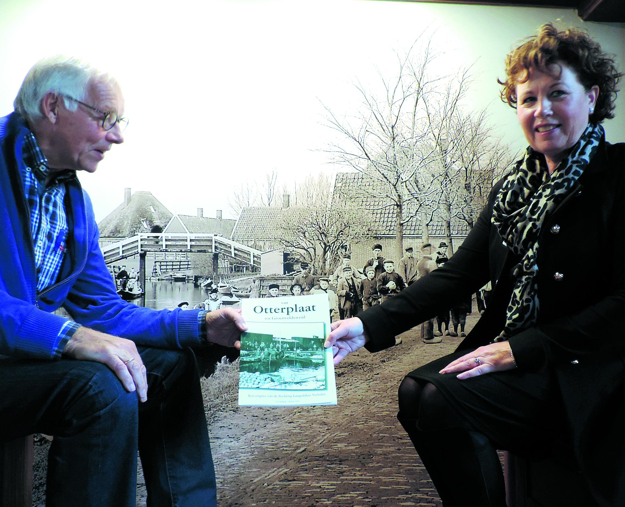 Leontien Kompier gaf vorige week in Het Regthuis van Oudkarspel het startschot voor de actie Vrienden van Het Behouden Huis.  rodi.nl © rodi