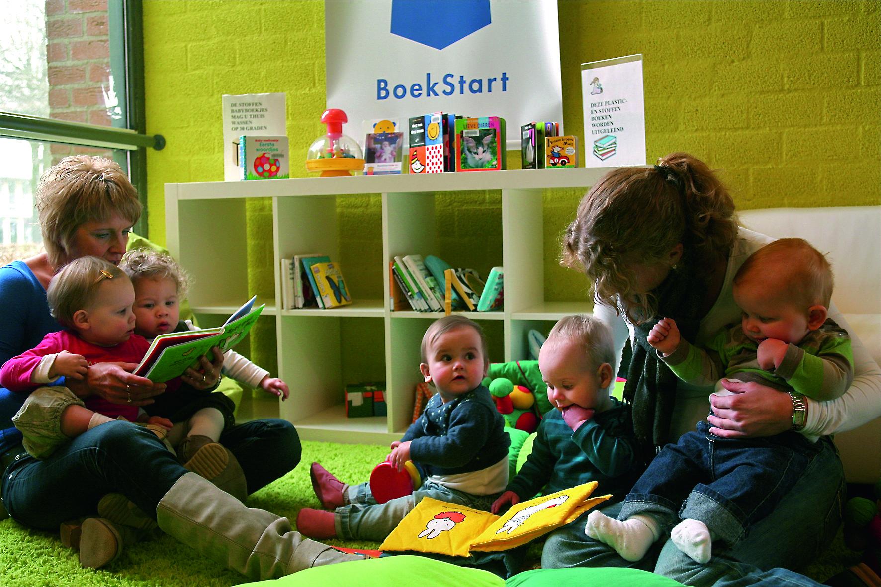 Voorlezen vanaf de babyleeftijd stimuleert de taalontwikkeling van kinderen en verhoogt de concentratie. (Foto: aangeleverd)