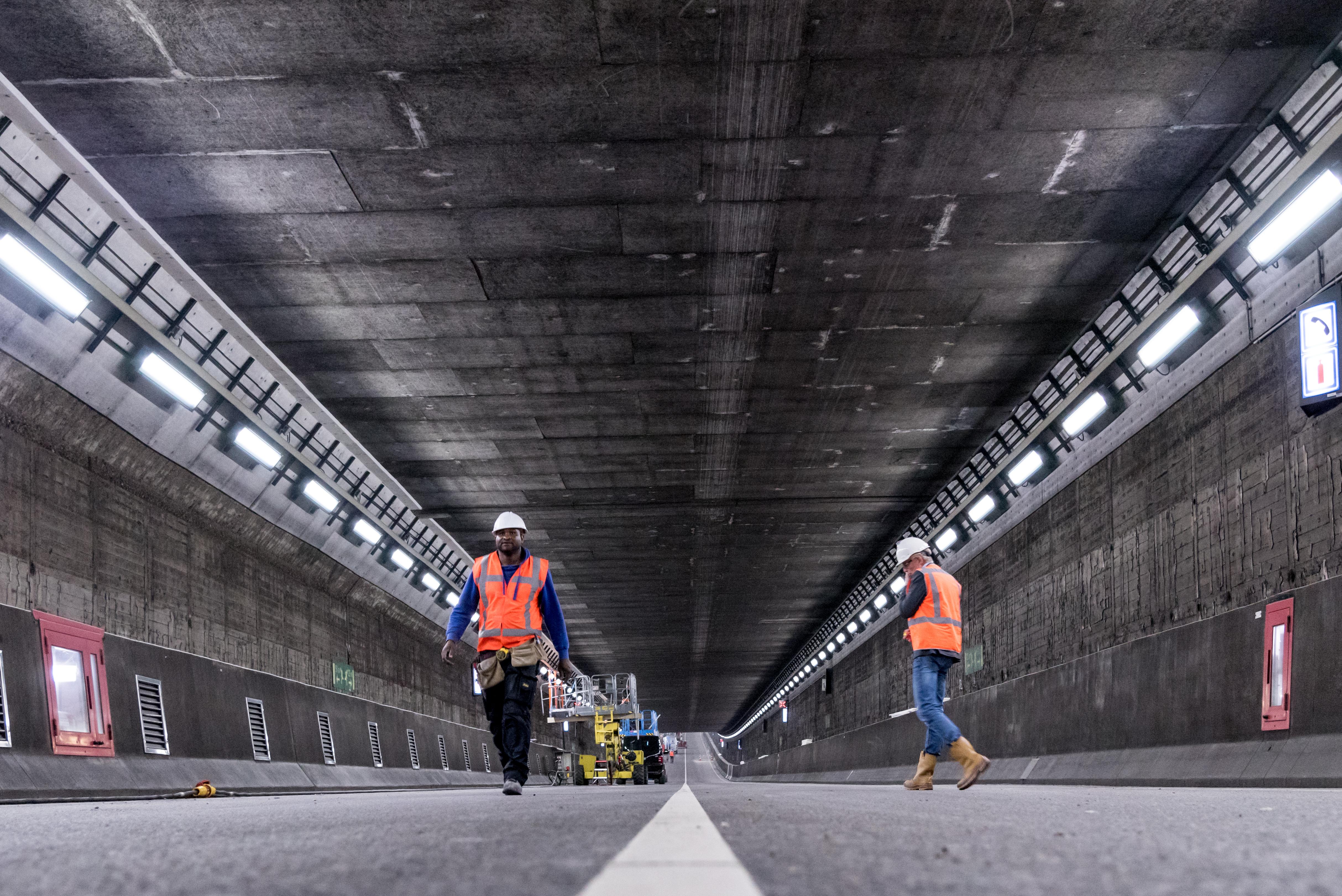 Onderhoud aan de IJtunnel. (Foto: Alphons Nieuwenhuis)