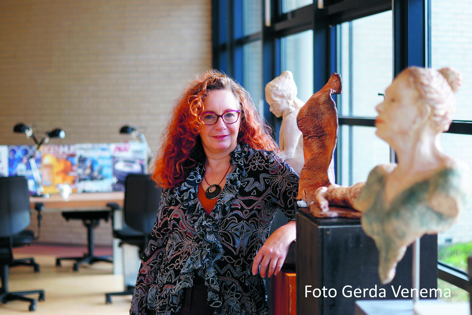 Beeldend kunstenaar Erica Kraan opende nieuwe atelier in OndernemersCentrale in Tuitjenhorn. (Foto: aangeleverd)