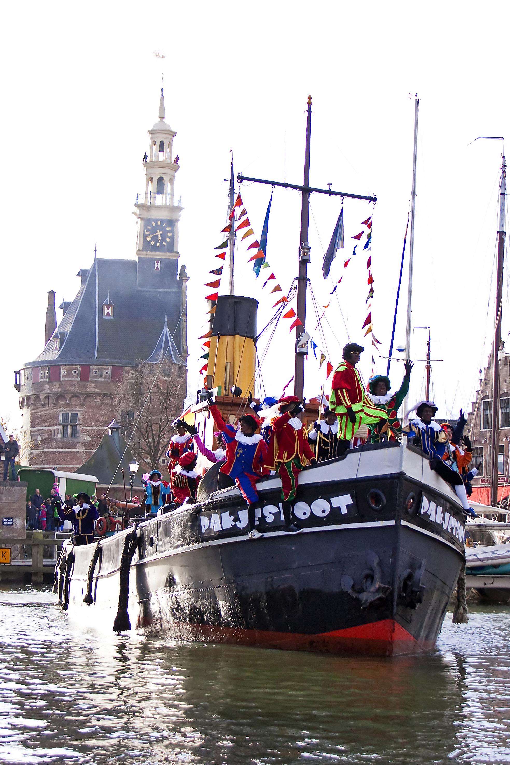 De stoomboot van Sint Nicolaas meert 17 november af in de Hoornse haven. (Foto: aangeleverd)
