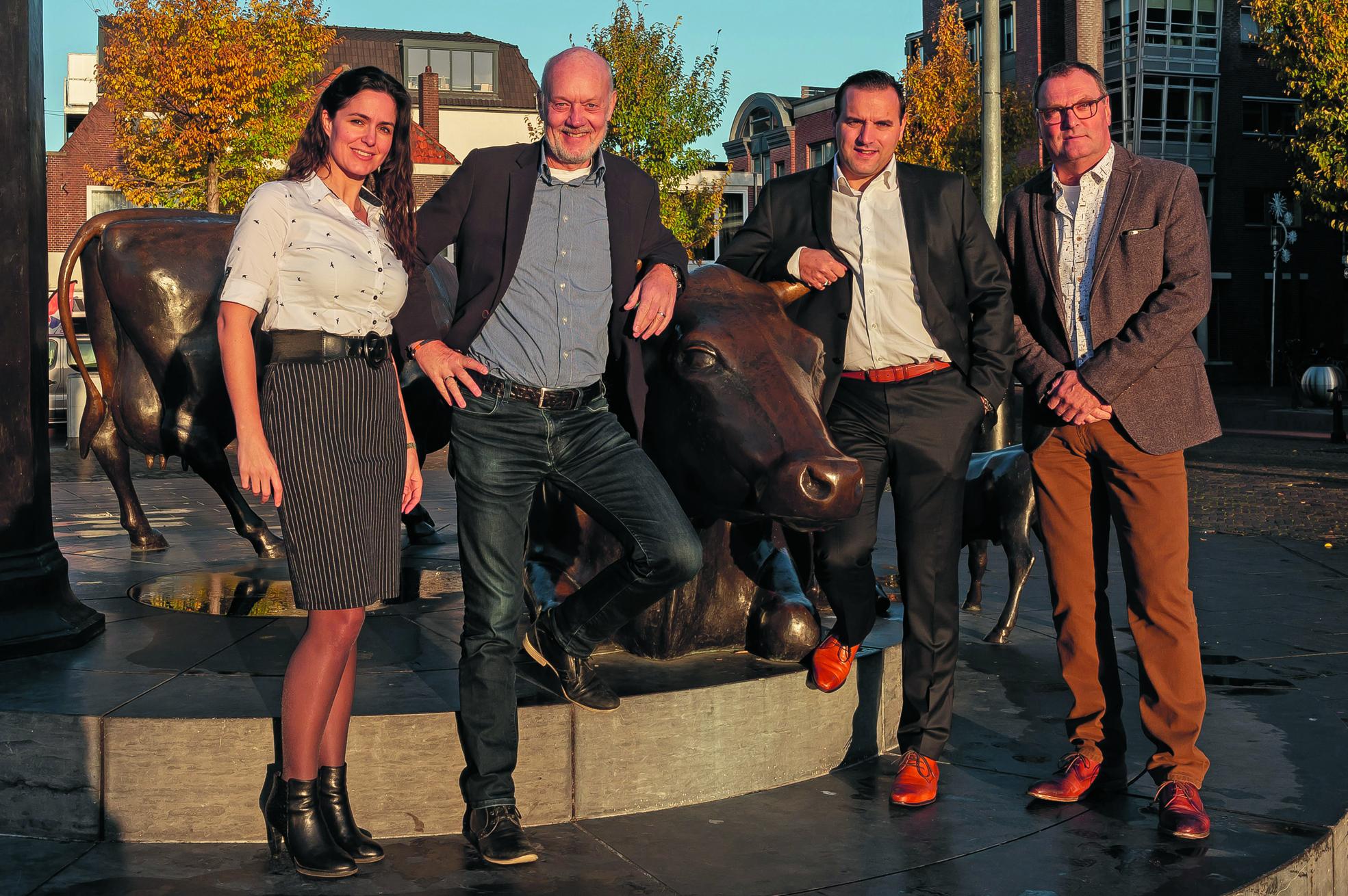 Barbara Lautenbach, Thijs Burrie (beiden van Burrie Media) en Matthijs Malipaard en John Bontje (Rodi Media) zien de toekomst met vertrouwen tegemoet. (Foto: Han Giskes)