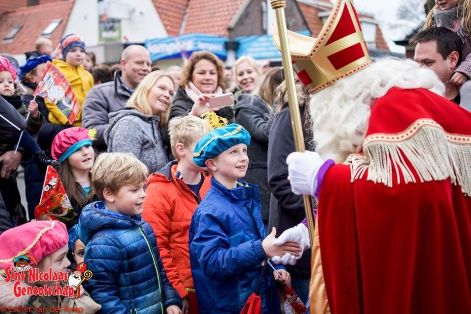 Sinterklaas wordt jaarlijks welkom geheten in Julianadorp. (Foto: Esther van der Reep / Sint Nicolaas Genootschap)