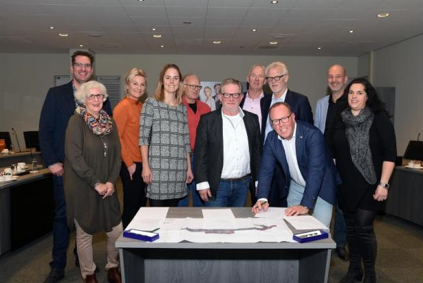 Vorige week werd met de partijen een handtekening gezet onder de overeenkomst. (Foto: stedebroec.nl)