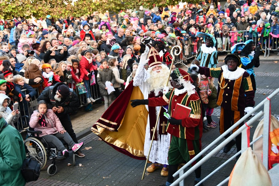 Massale belangstelling voor Sinterklaas