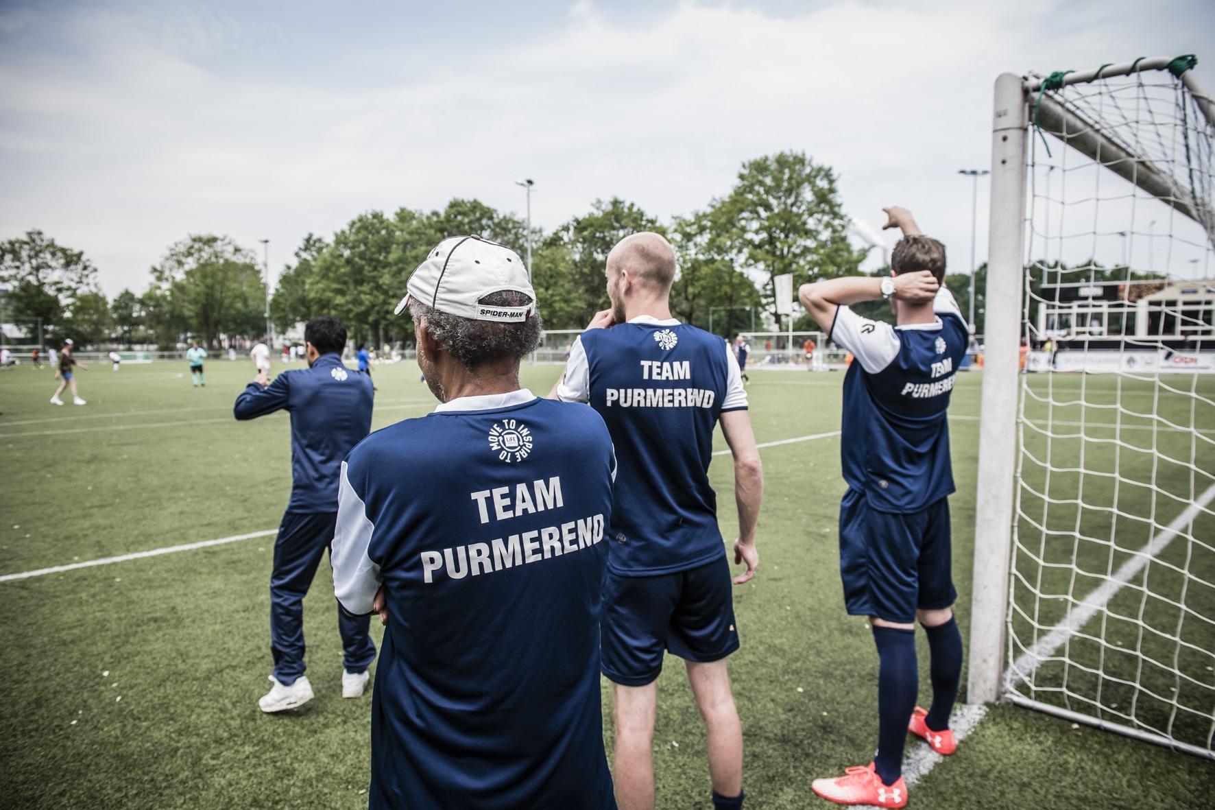 Het team van Life Goals Purmerend heeft al wel meegedaan aan enkele buitenactiviteiten. Zaterdag zijn ze actief in De Vaart. (Foto: Rennaert Ruinen/Ruinen Fotografie)